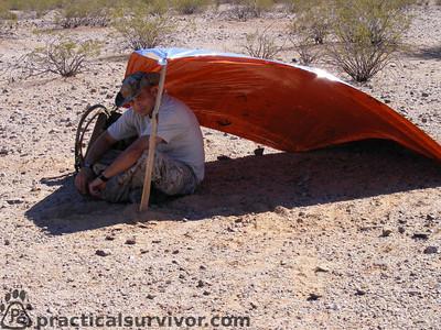 نصائح من مخاطر الصحراء تزود بالماء والطعام، وأجهزة الملاحة، والهاتف الفضائي (الثريا)، وتفحص السيارة، ووقود احتياطي، وشنطة إسعافات أولية،  Deser011